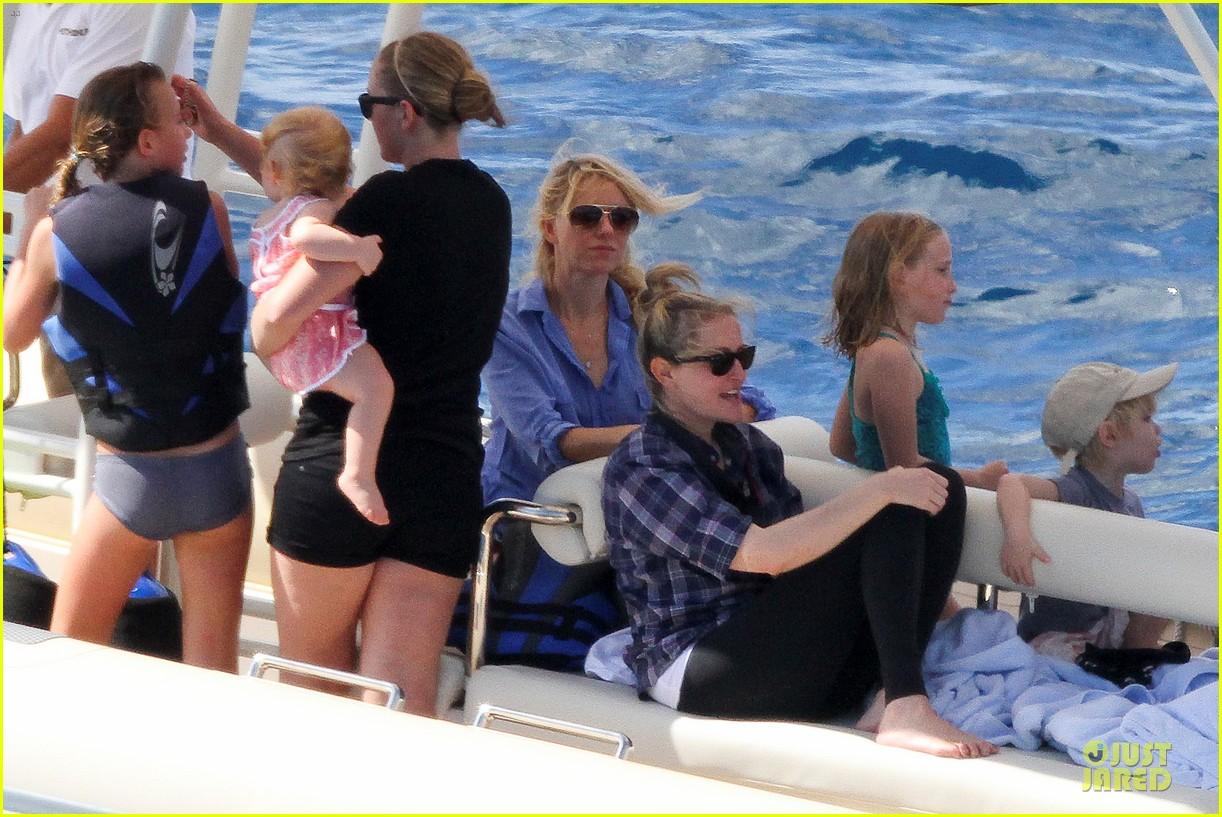 naomi watts boat ride with shirtless liev schreiber 112784028
