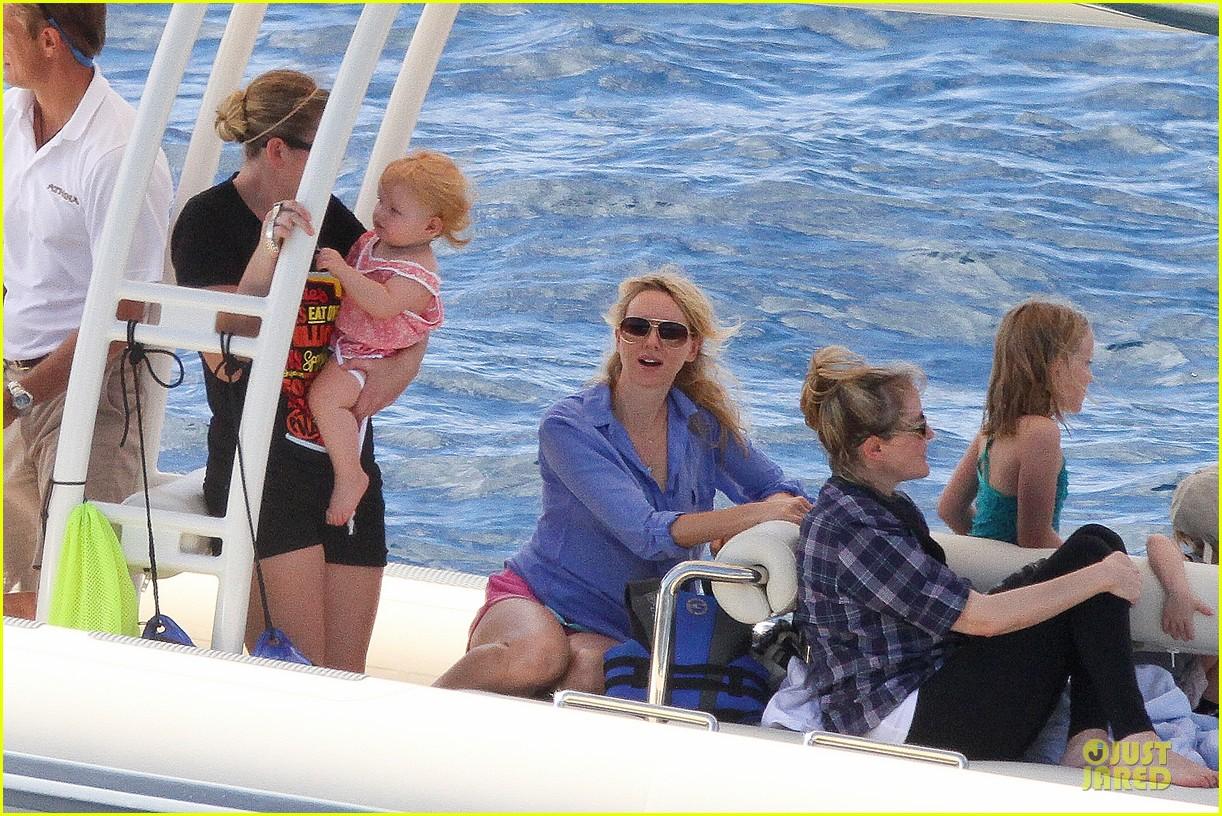 naomi watts boat ride with shirtless liev schreiber 132784030