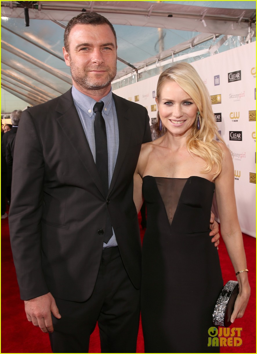 naomi watts liev schreiber critics choice awards 2013 10