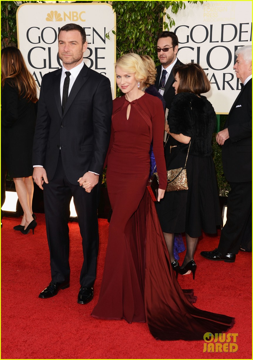 naomi watts liev schreiber golden globes 2013 red carpet 032791323