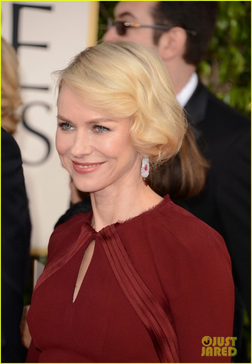 naomi watts liev schreiber golden globes 2013 red carpet 07
