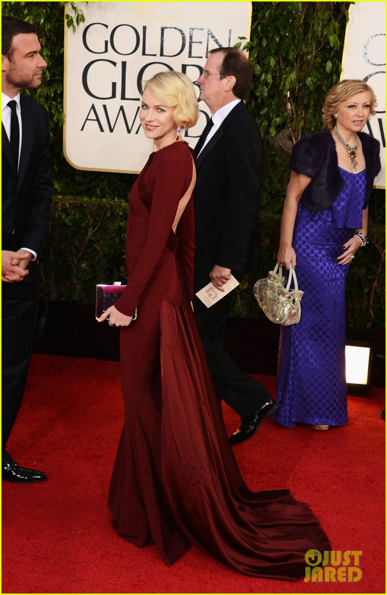 naomi watts liev schreiber golden globes 2013 red carpet 132791333