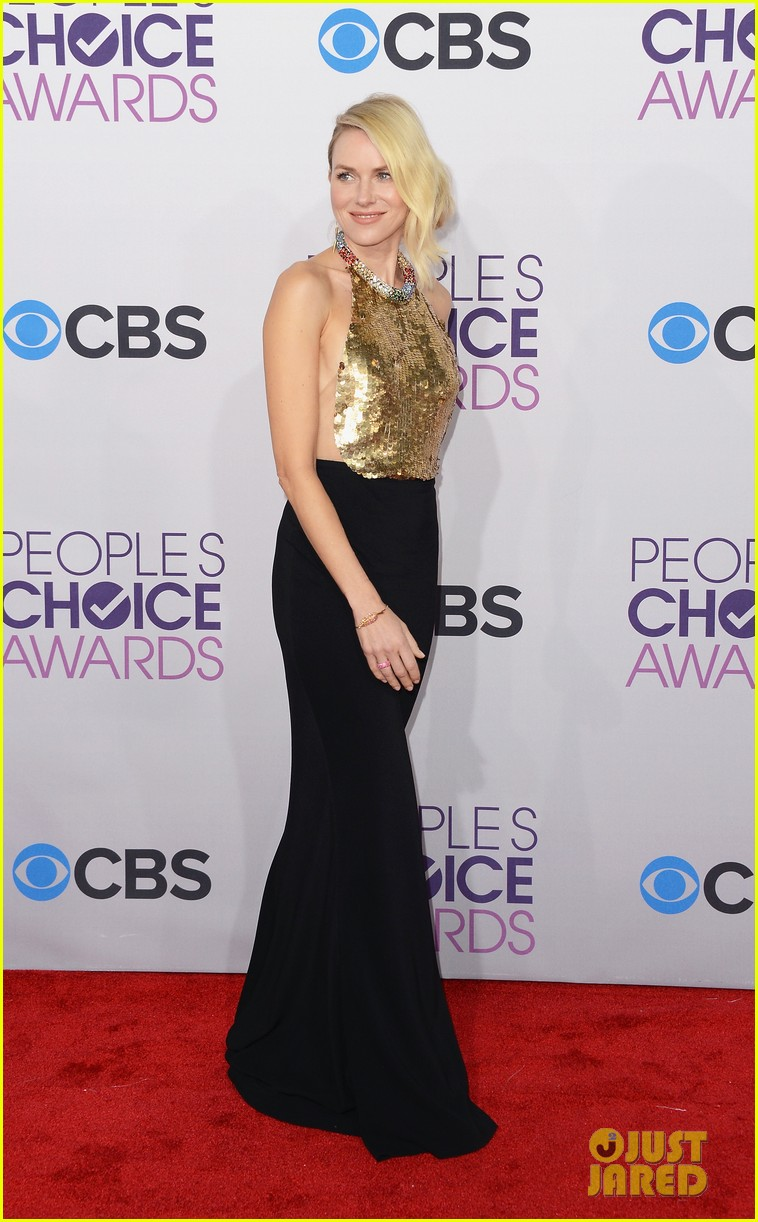 naomi watts peoples choice awards 2013 red carpet 012787812