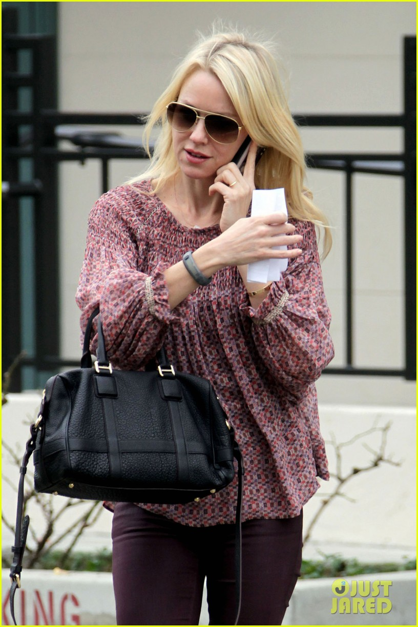 naomi watts i never get recognized on the street 042798206