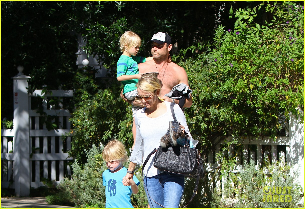 naomi watts liev schreiber sunday with kids 112796042
