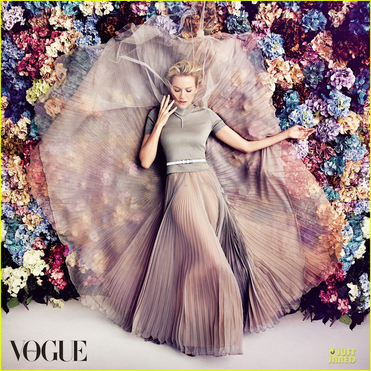 naomi watts covers vogue australia magazine february 2013 012786685