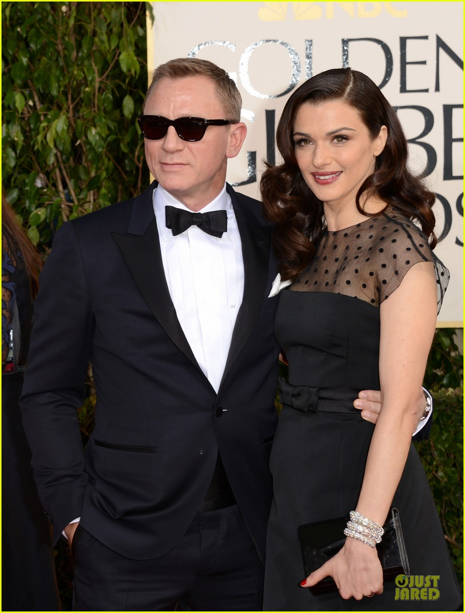 rachel weisz daniel craig golden globes 2013 red carpet 042791059