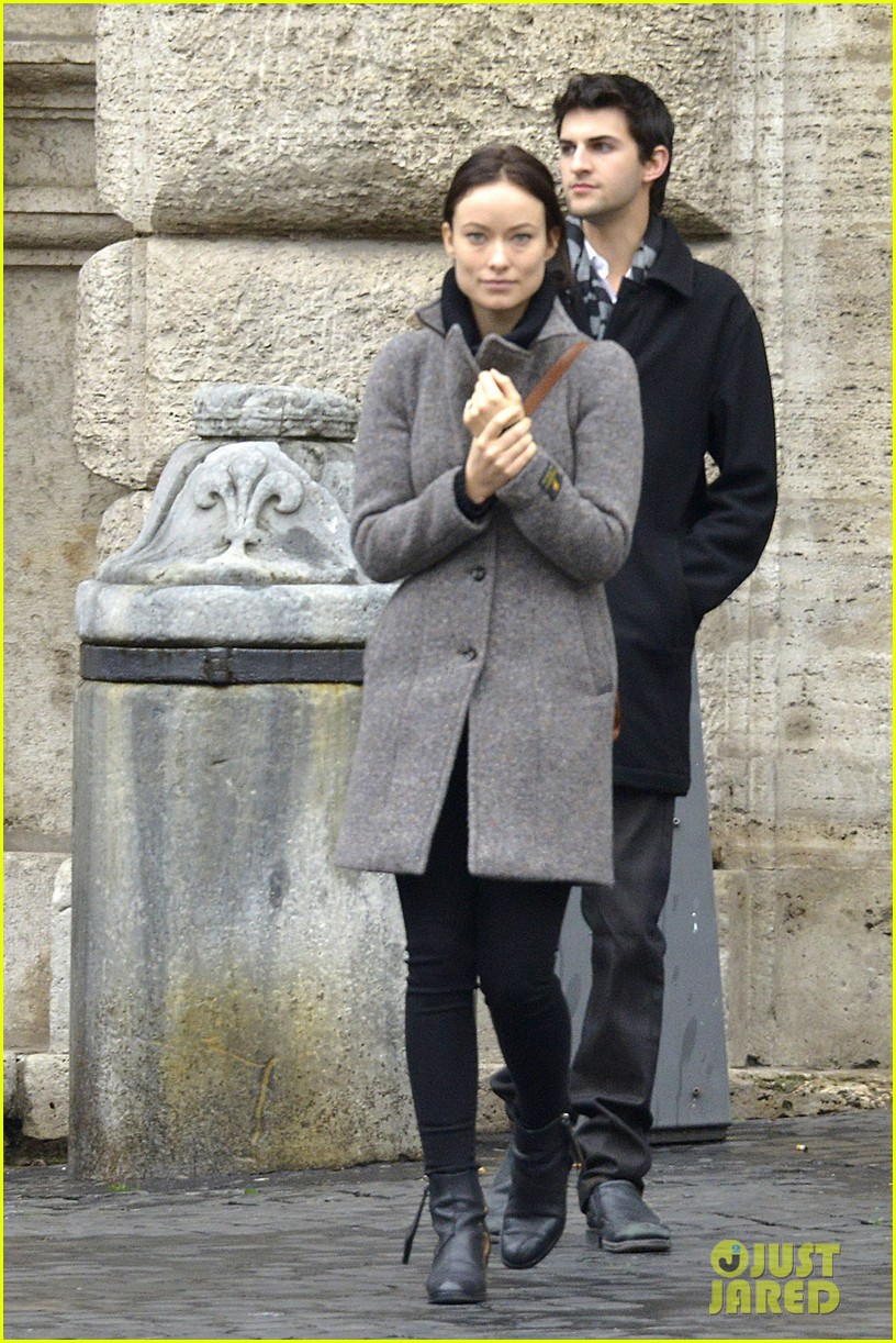 olivia wilde flashes engagement ring on third person set 03