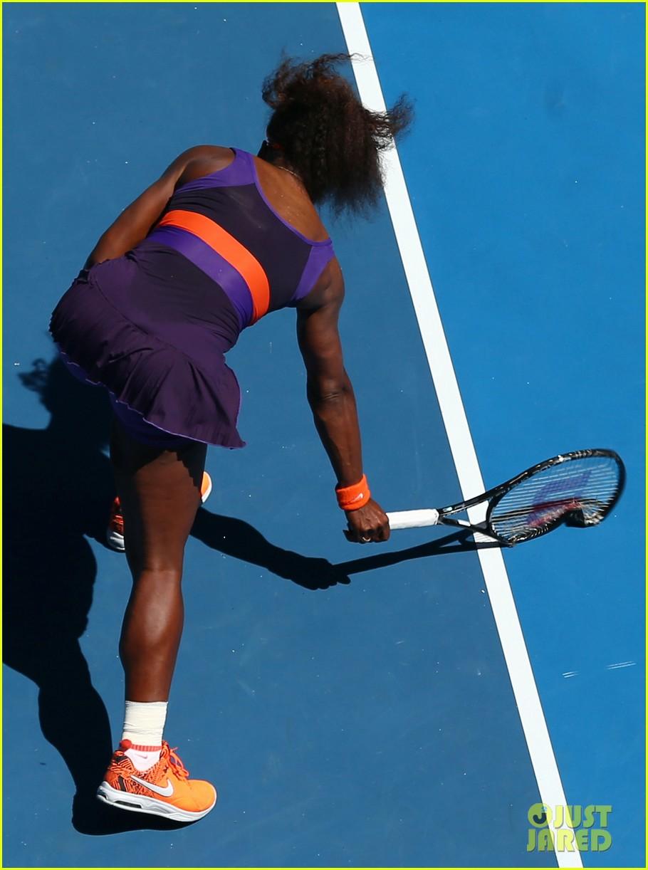 serena williams reveals swollen ankle after breaking racquet 052798122