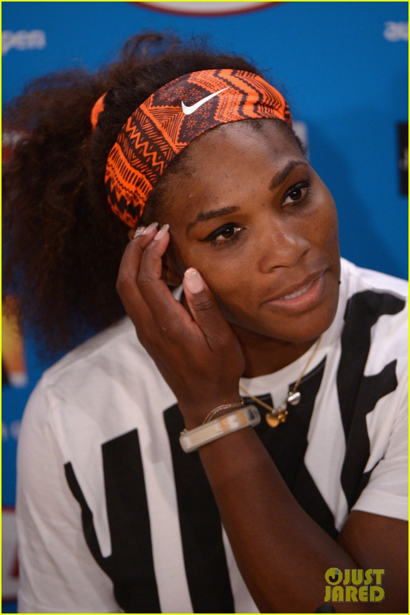 serena williams reveals swollen ankle after breaking racquet 20