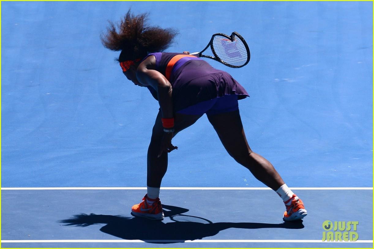 serena williams reveals swollen ankle after breaking racquet 23