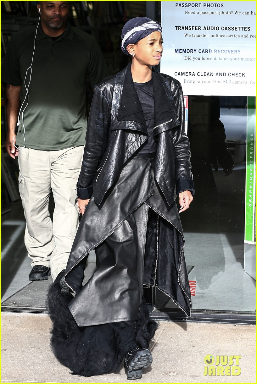 willow smith layers her leather 012797358