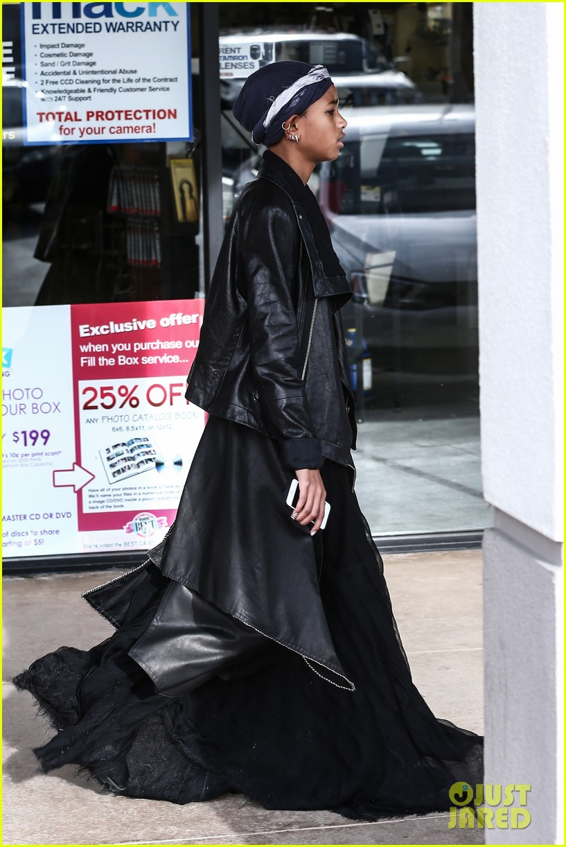 willow smith layers her leather 082797365