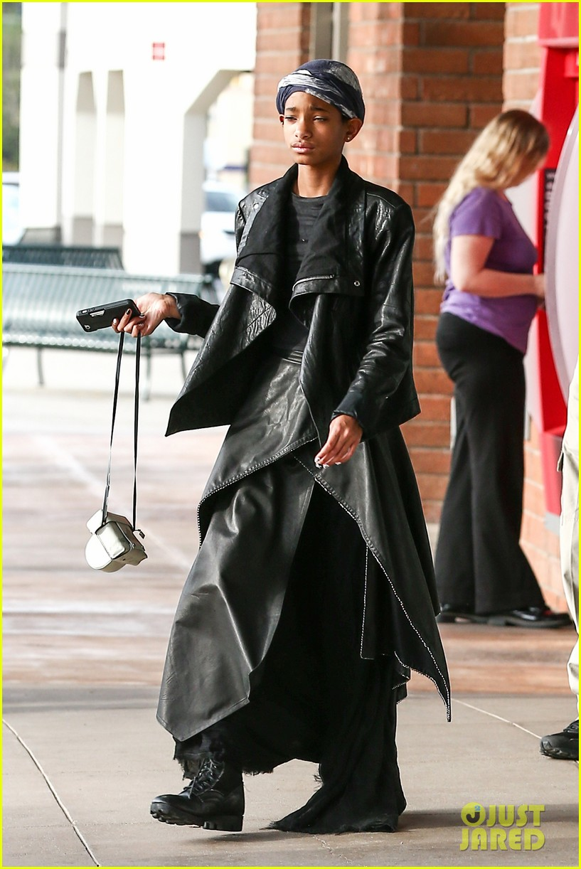 willow smith layers her leather 092797366
