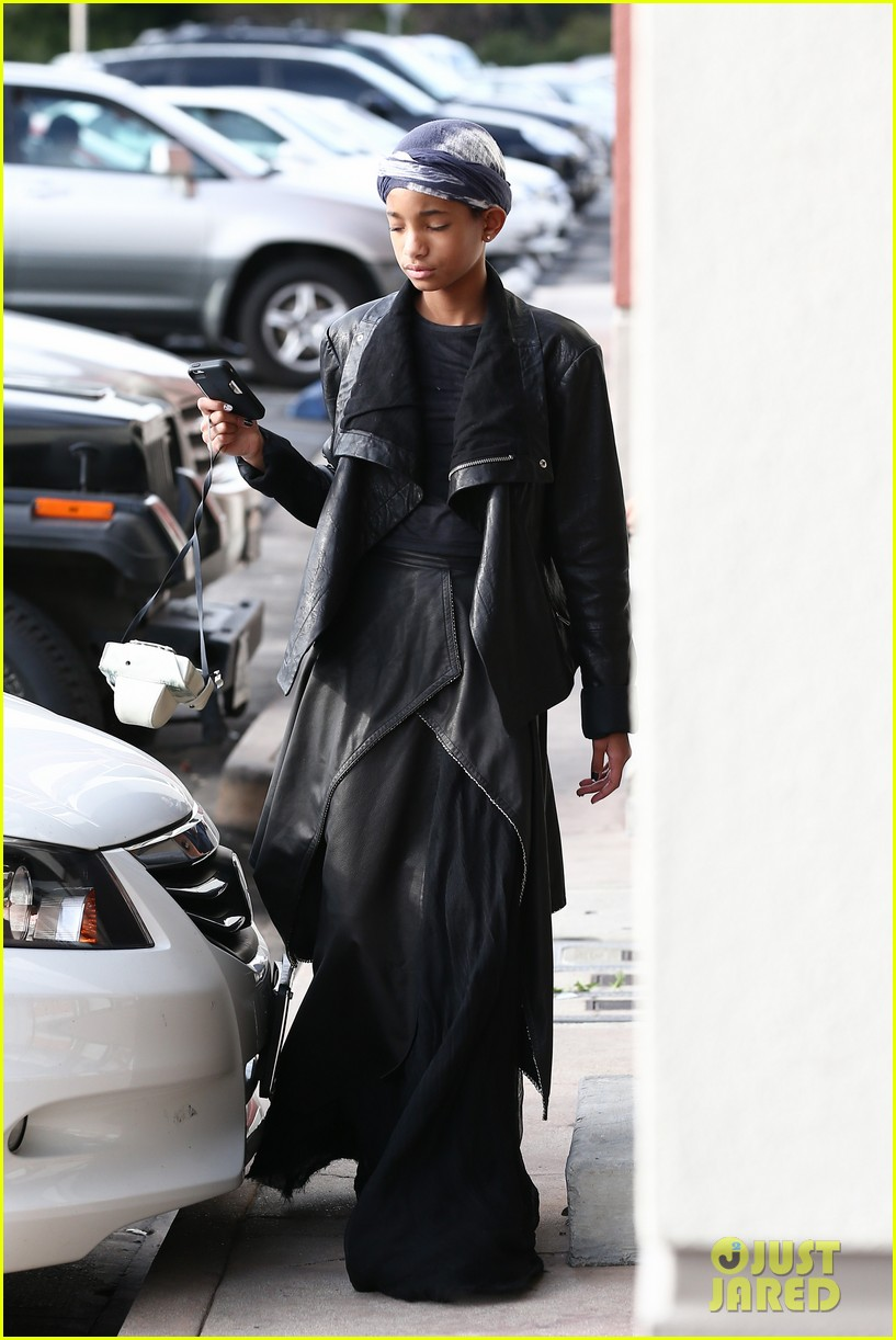 willow smith layers her leather 122797369