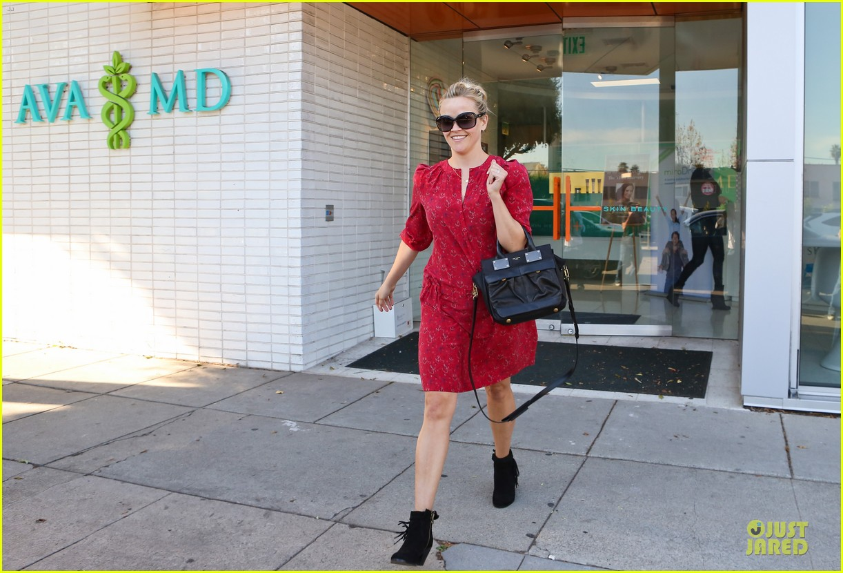 reese witherspoon third most wanted celebrity neighbor 032787114