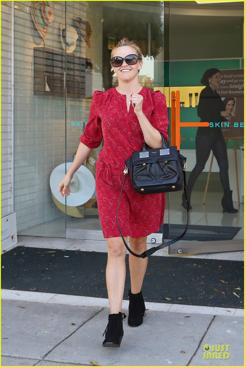reese witherspoon third most wanted celebrity neighbor 072787118