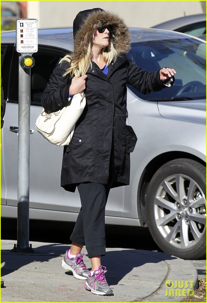 reese witherspoon sugarfish sushi lunch 07