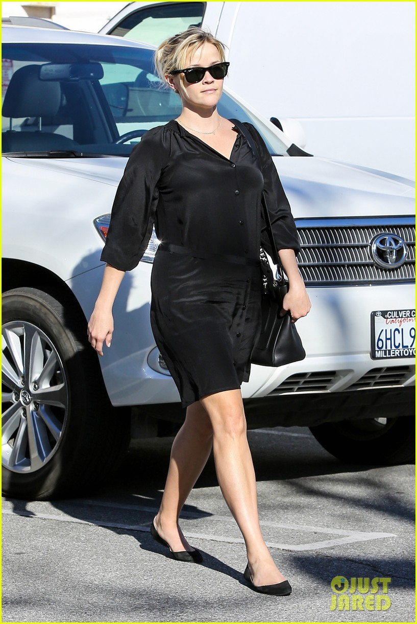 reese witherspoon sugarfish sushi lunch 19