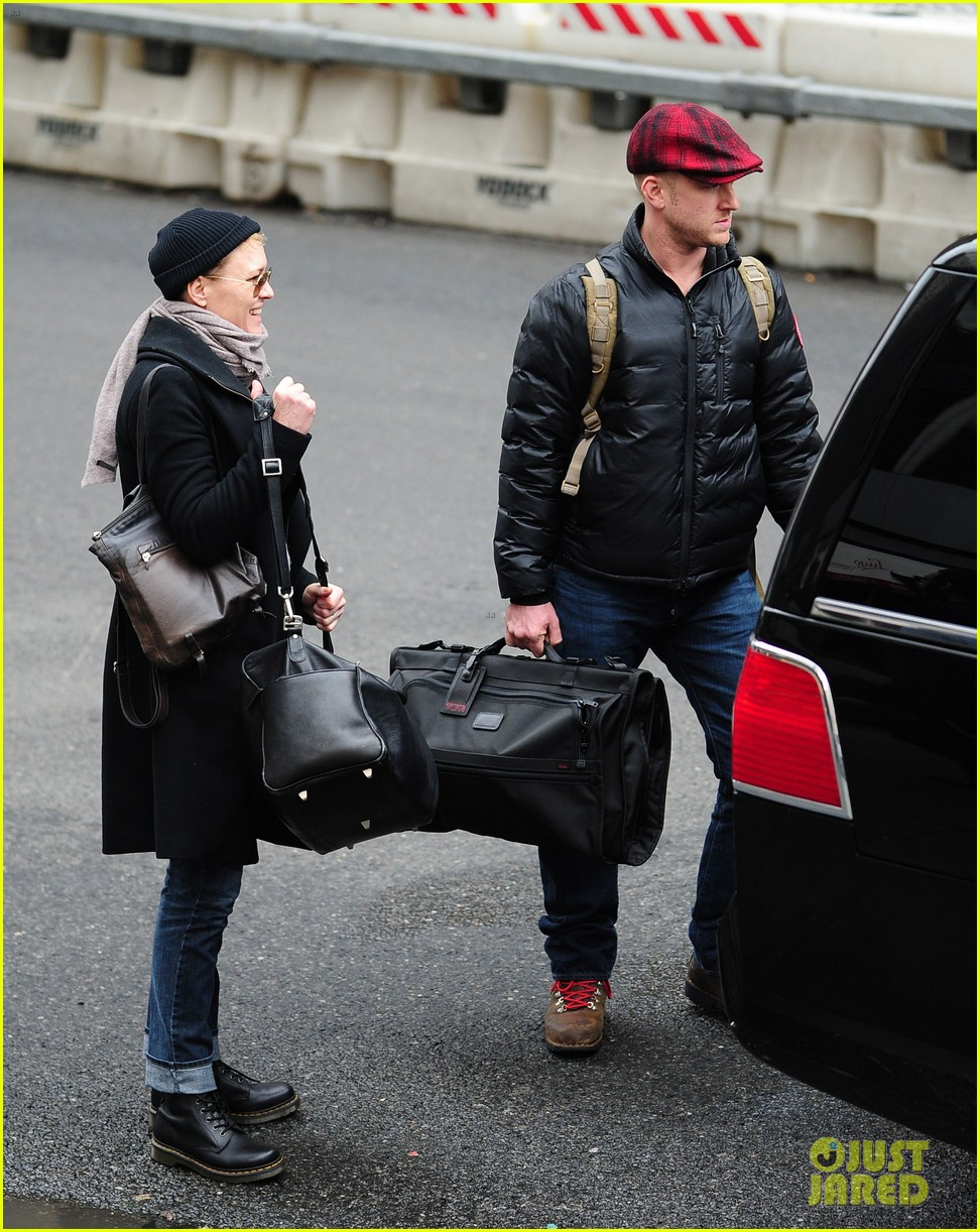 robin wright ben foster penn station pair 052801536