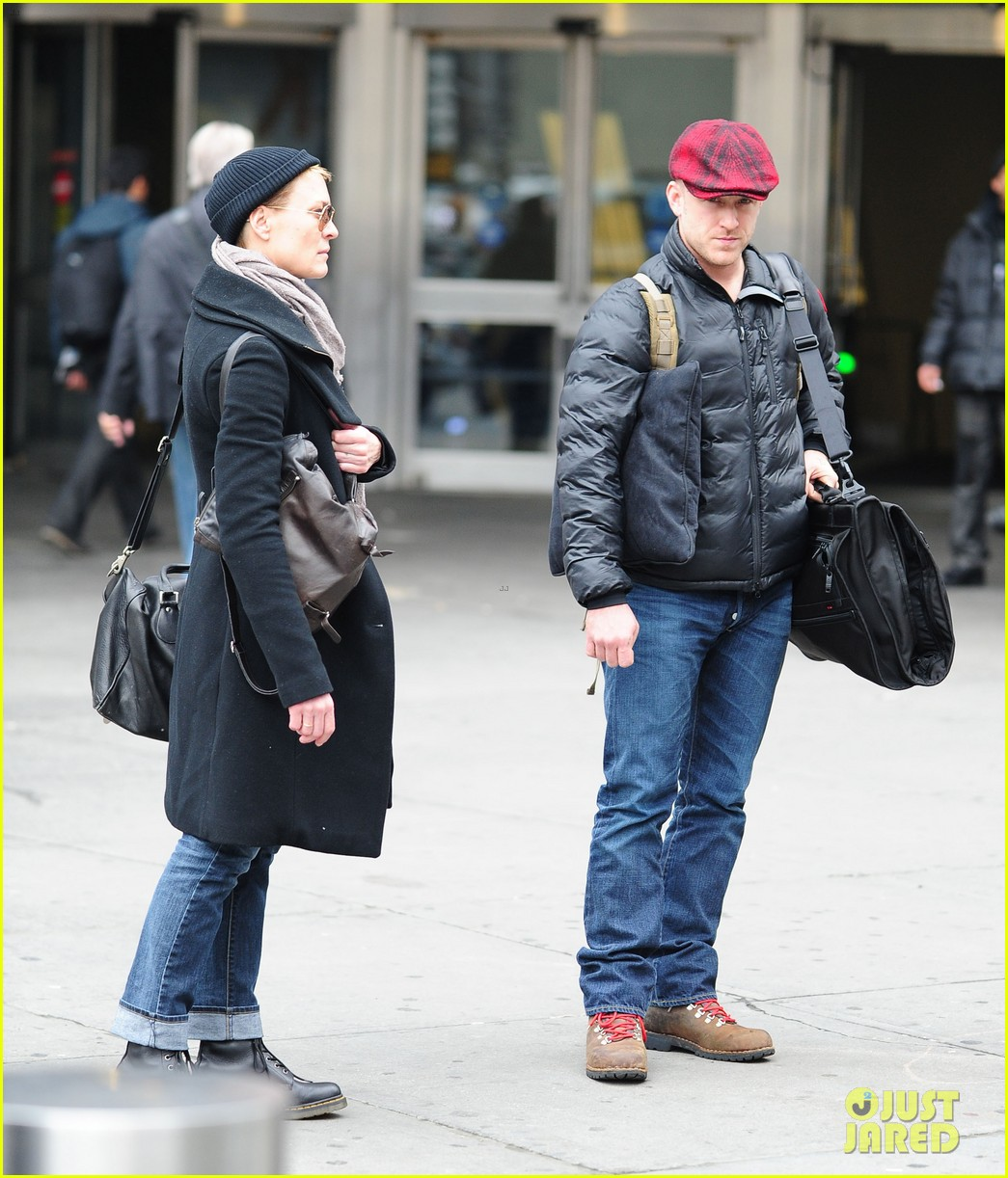 robin wright ben foster penn station pair 072801538