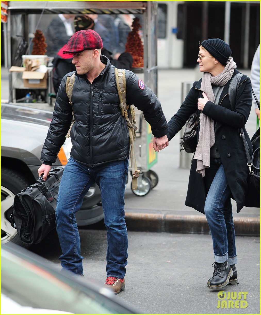 robin wright ben foster penn station pair 122801543