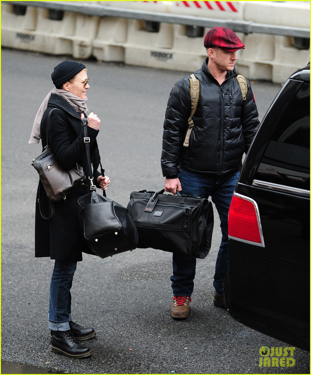 robin wright ben foster penn station pair 15