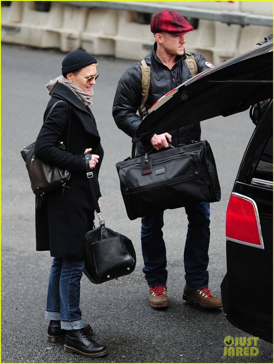 robin wright ben foster penn station pair 172801548
