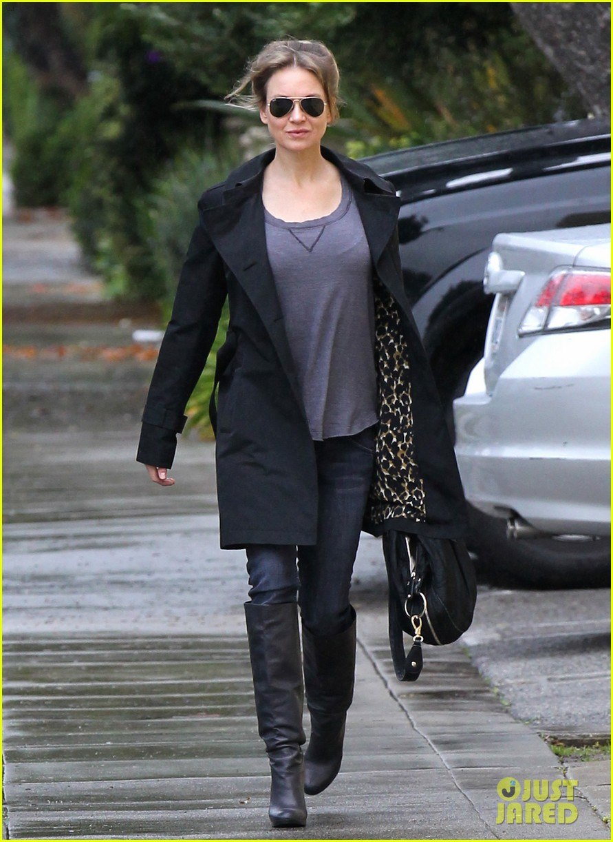 renee zellweger busy in brentwood 012799227