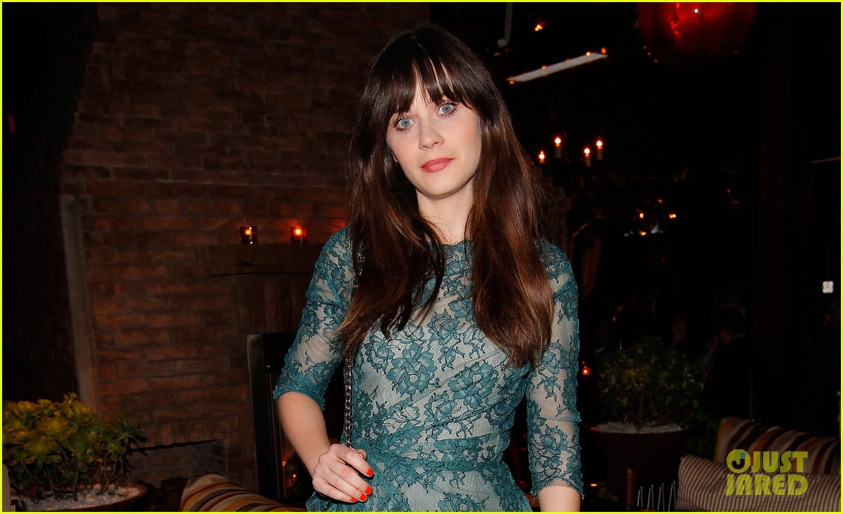 zooey deschanel glamour cover girl celebration 052800775