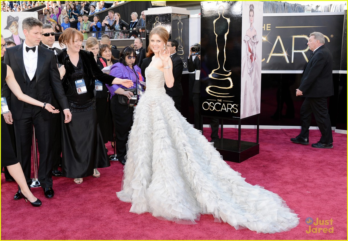 amy adams darren le gallo oscars 2013 red carpet 08