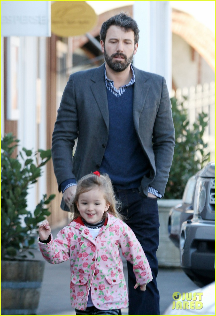 ben affleck jennifer garner breakfast with seraphina 04