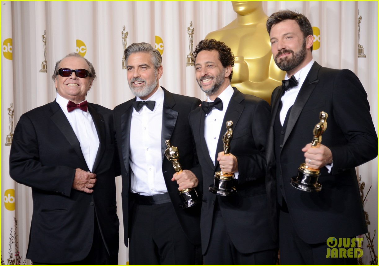 ben affleck george clooney win best picture oscar 2013 052819921