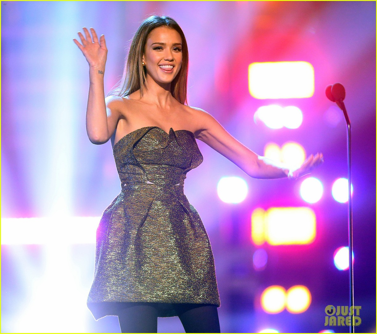 jessica alba ryan lochte hall of game awards 2013 022808522