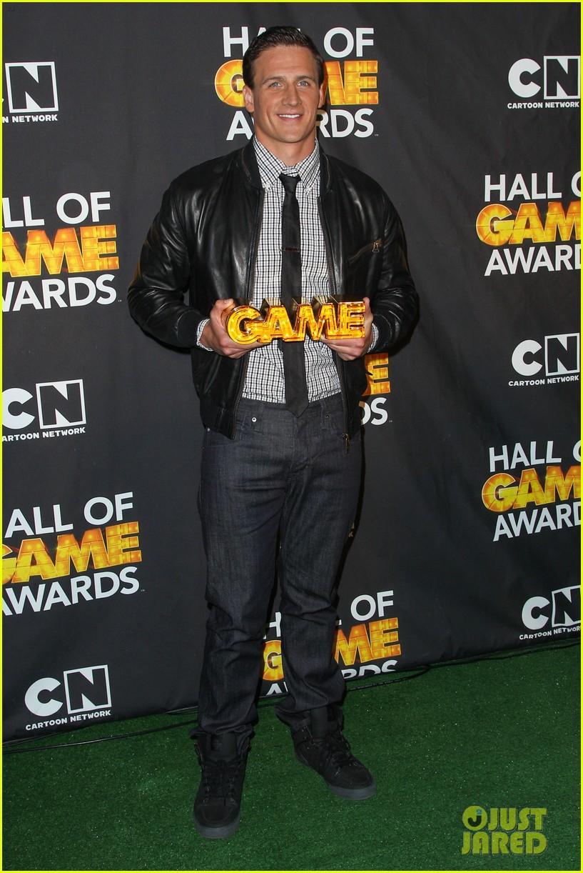 jessica alba ryan lochte hall of game awards 2013 152808535