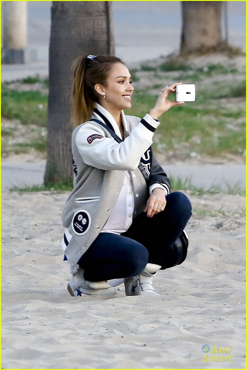 jessica alba im not as crazy as my escape from planet earth character 142815303