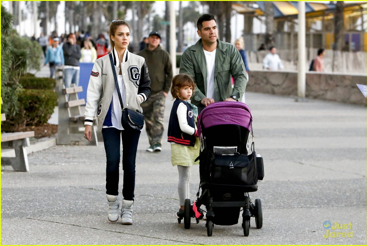 jessica alba im not as crazy as my escape from planet earth character 302815319