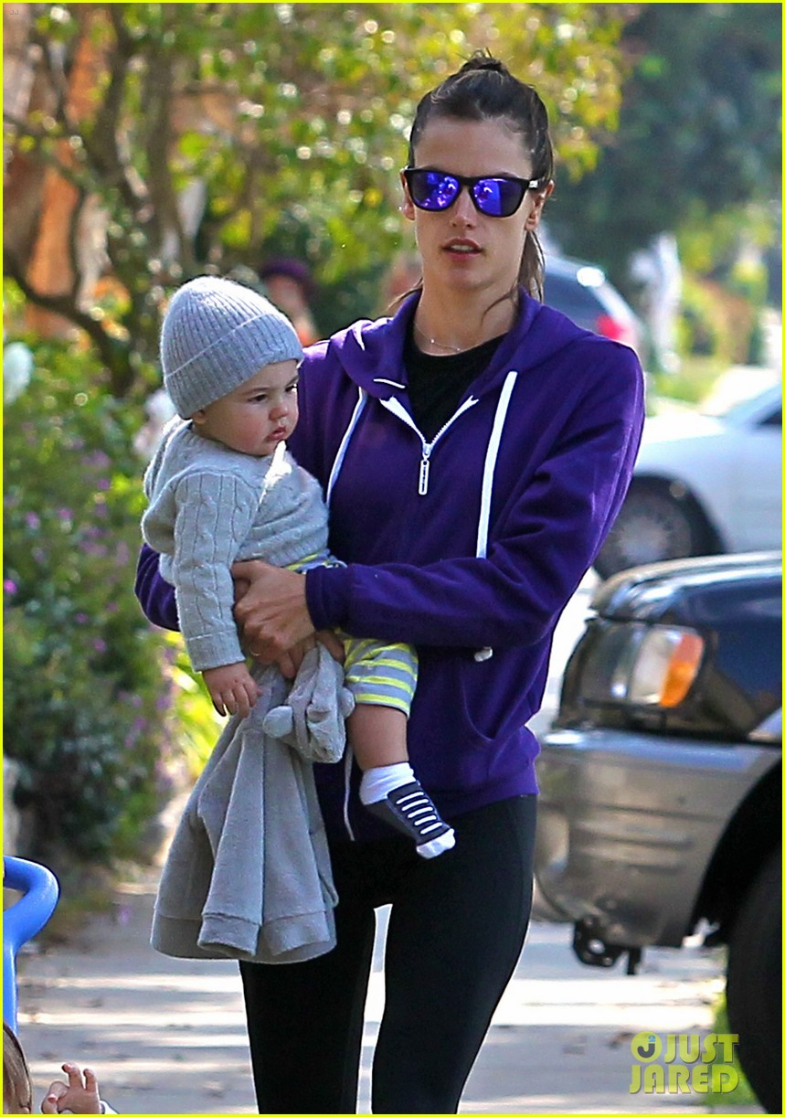 alessandra ambrosio park day with the family 042815151