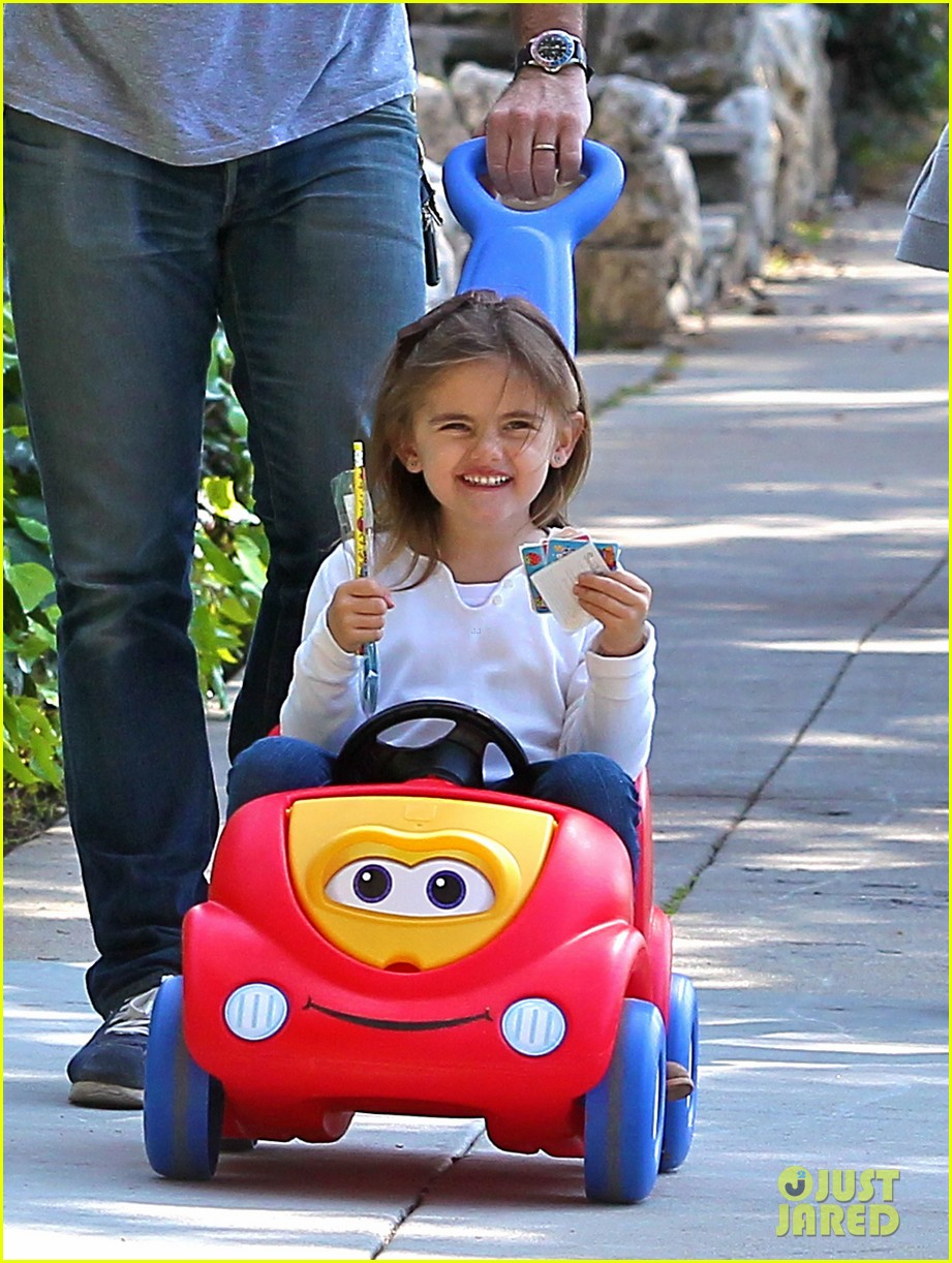 alessandra ambrosio park day with the family 052815152