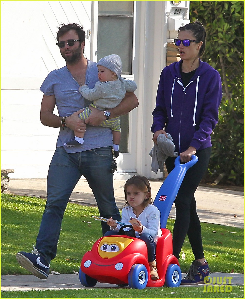 alessandra ambrosio park day with the family 232815170