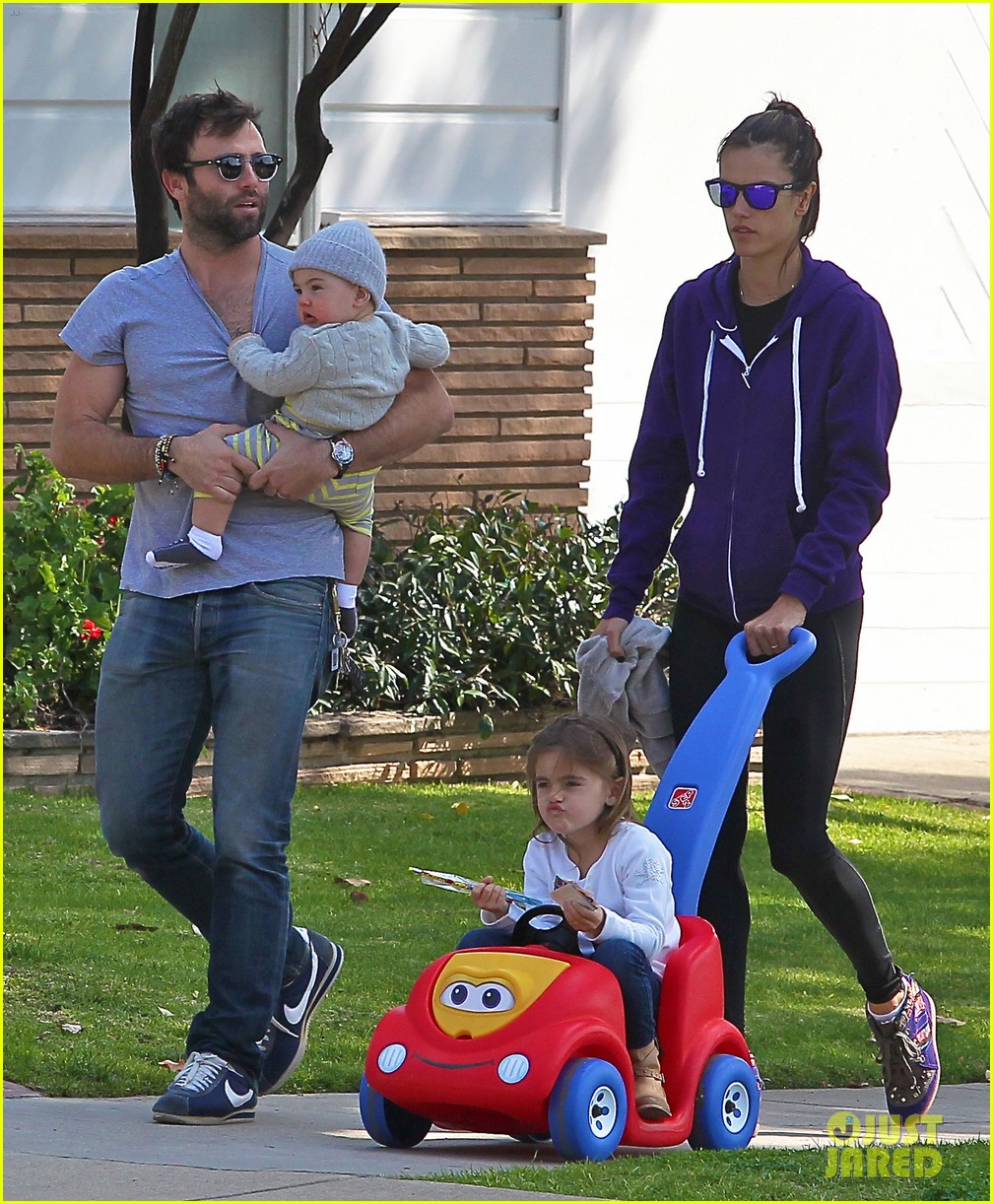 alessandra ambrosio park day with the family 242815171