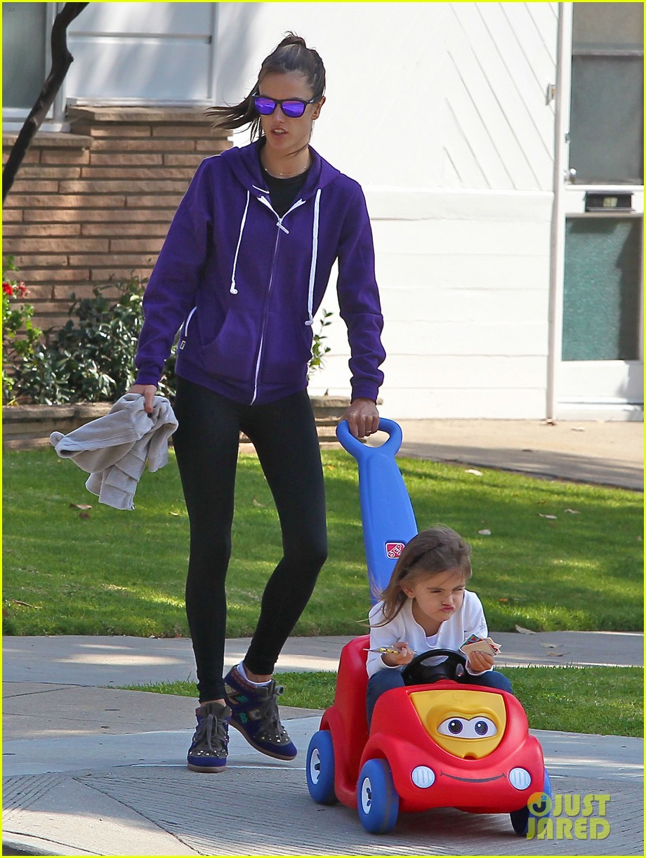 alessandra ambrosio park day with the family 252815172