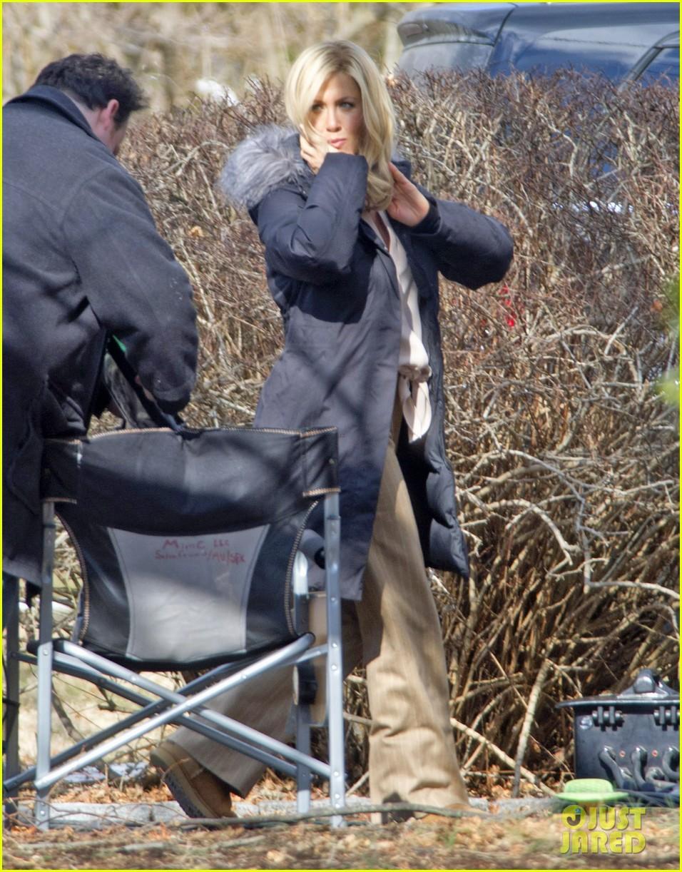 Jennifer Aniston: Wavy Blonde Hair for 'Elmore Leonard