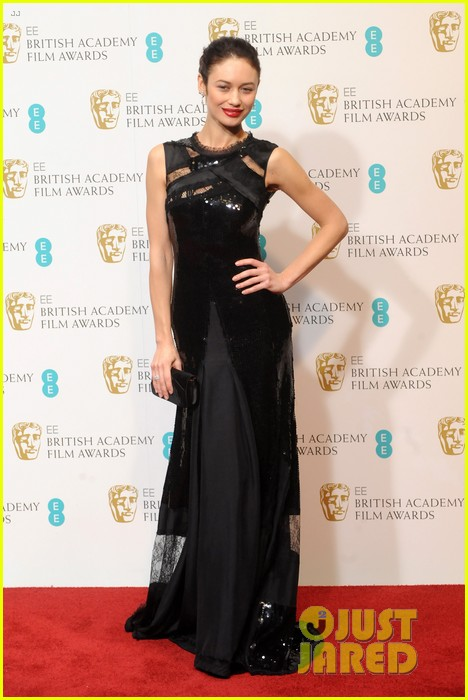 gemma arterton olga kurylenko baftas 2013 red carpet 032808973