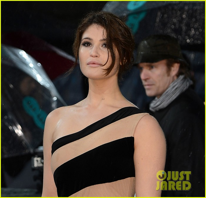 gemma arterton olga kurylenko baftas 2013 red carpet 04