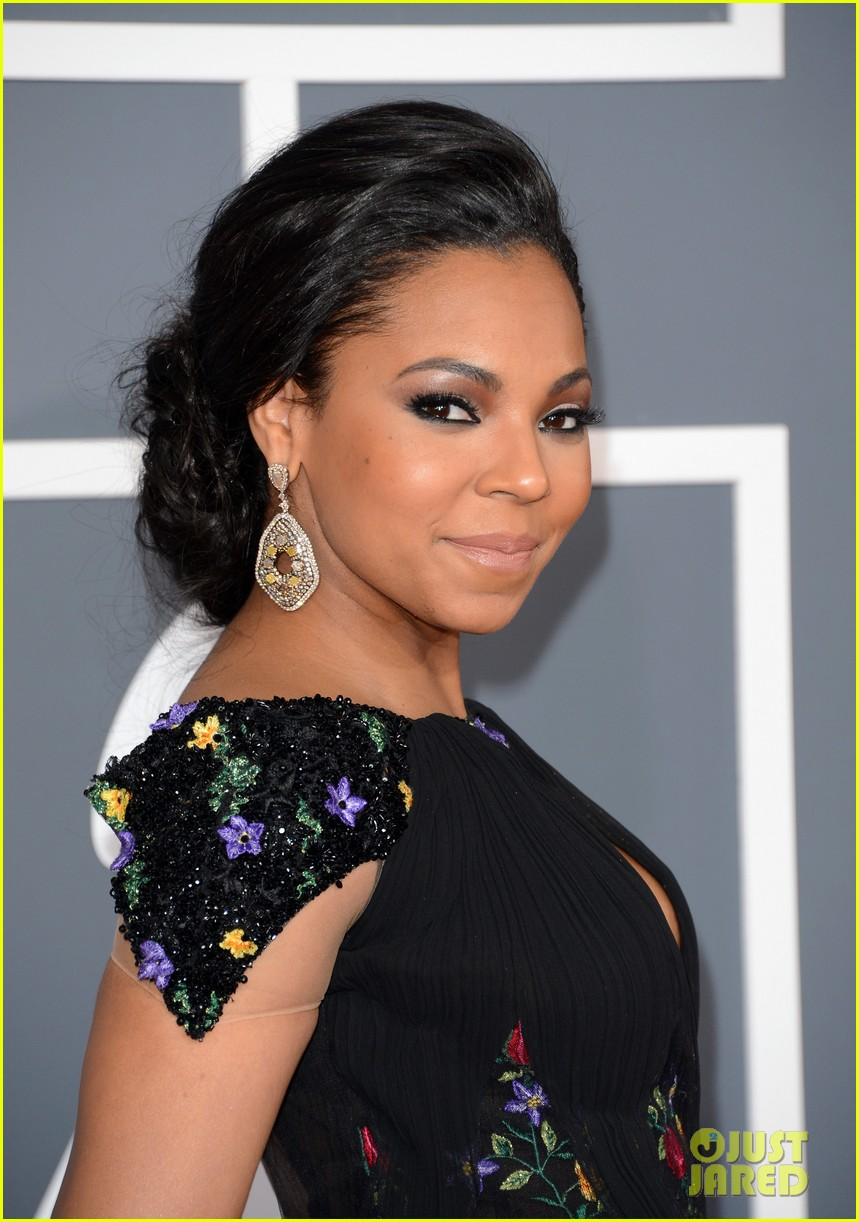 ashanti grammys 2013 red carpet 022809041