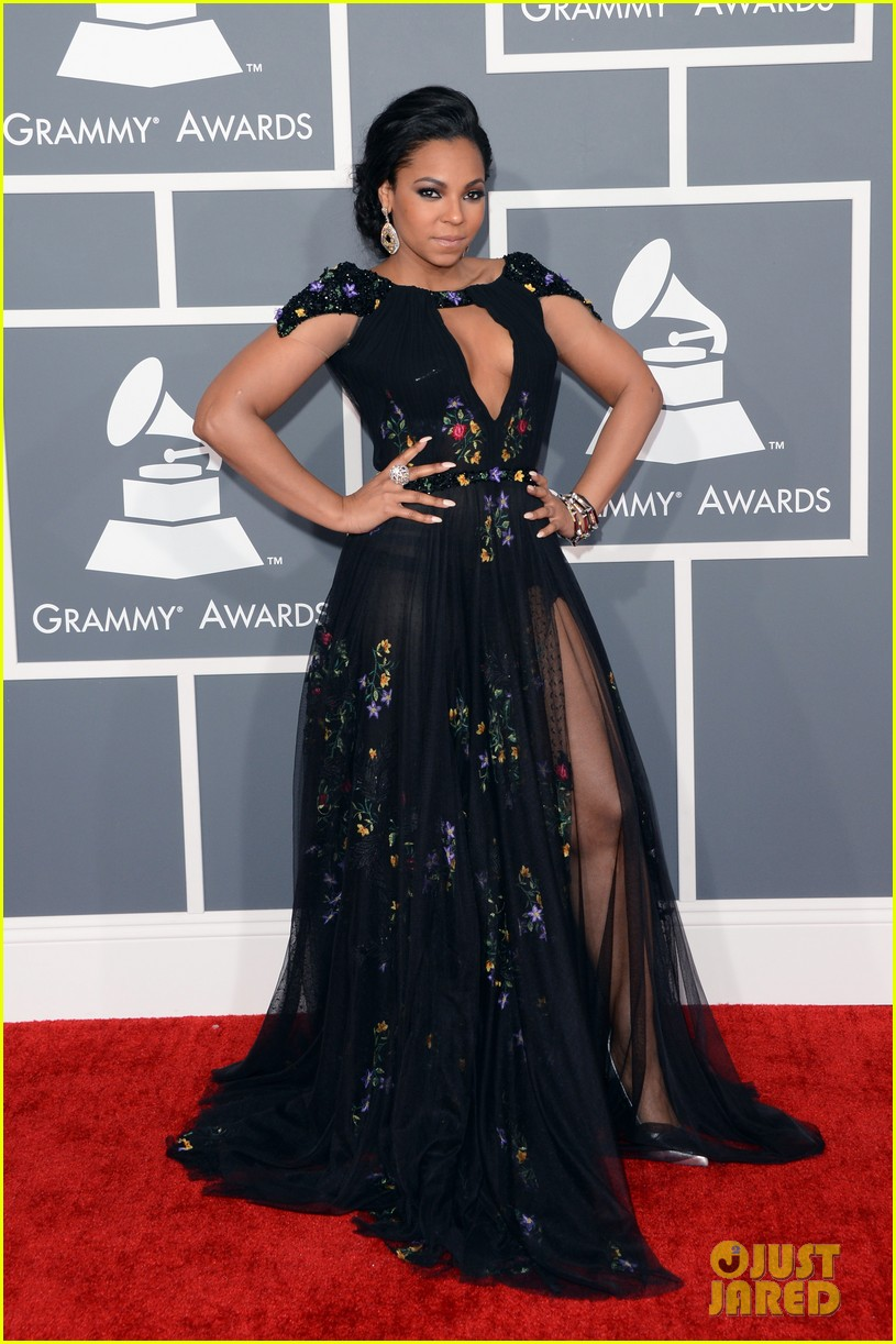 ashanti grammys 2013 red carpet 032809042