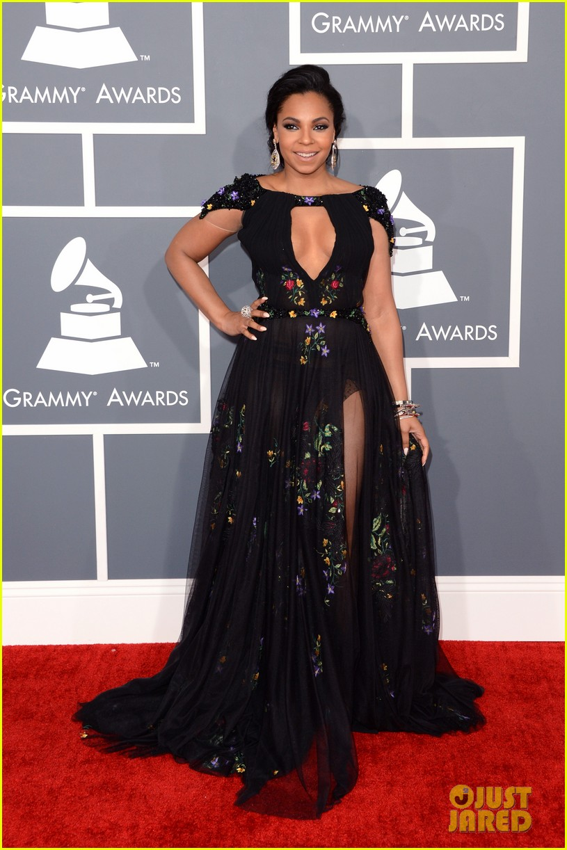 ashanti grammys 2013 red carpet 10