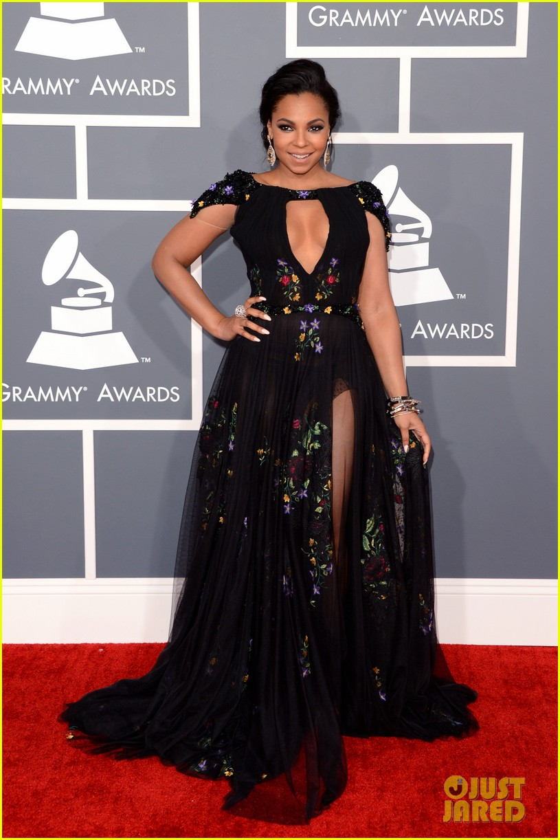 ashanti grammys 2013 red carpet 11