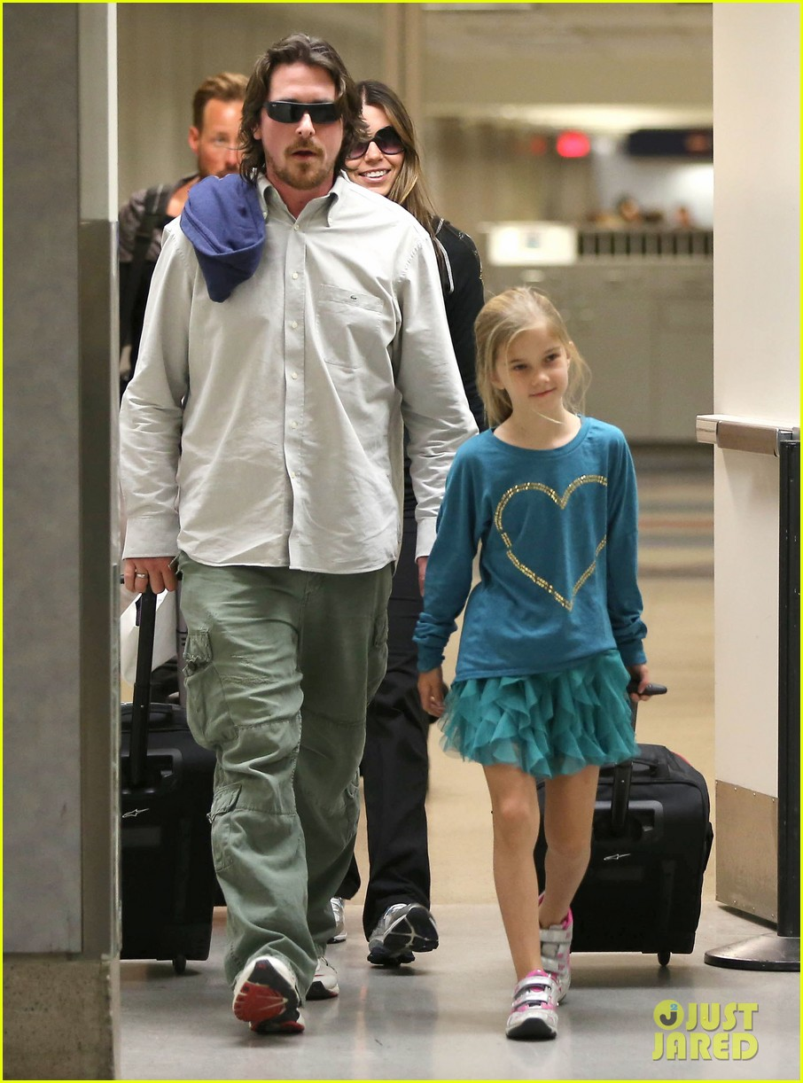christian bale post birthday family flight 03